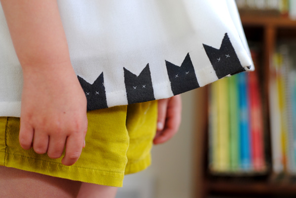 hartandsew_upcycled_cat_stamp_shirt