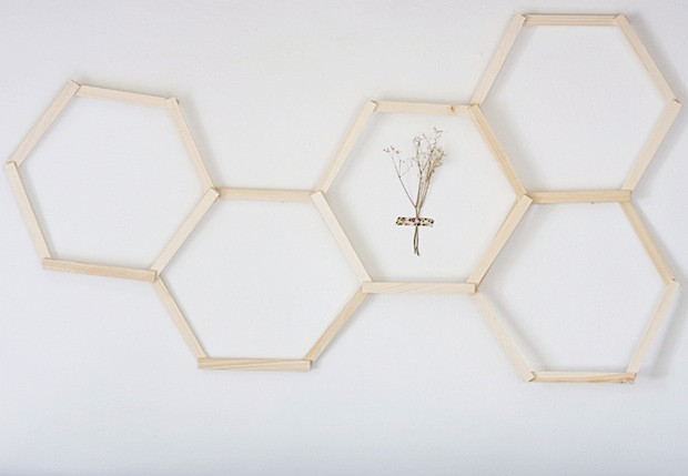 hellodiy_honeycomb_wall_art_01