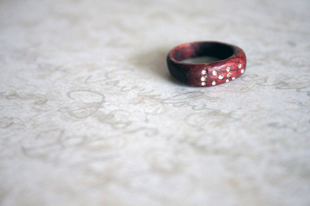 04_love_in_Brille_wooden_ring_flickr_roundup