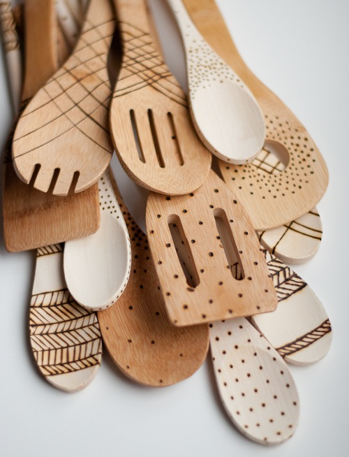designmom_etched_wooden_spoons_01