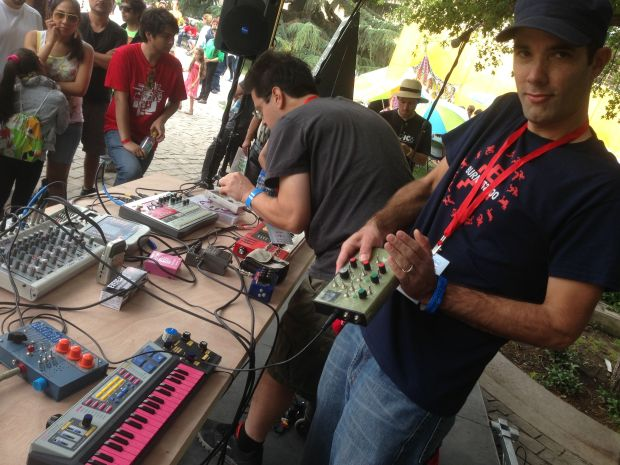 Burnkit2600 jamming at the Santiago Mini Maker Faire (photo by Sabrina Merlo)