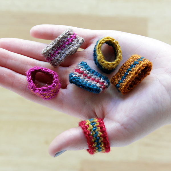 handsoccupied_crochet_ring_01