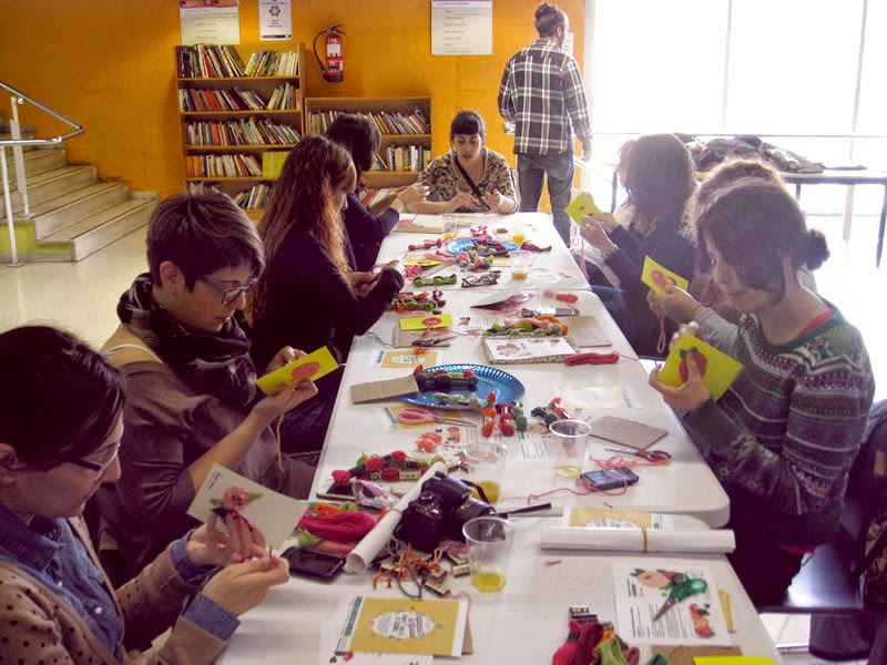 embroidered-postcard-workshop-2