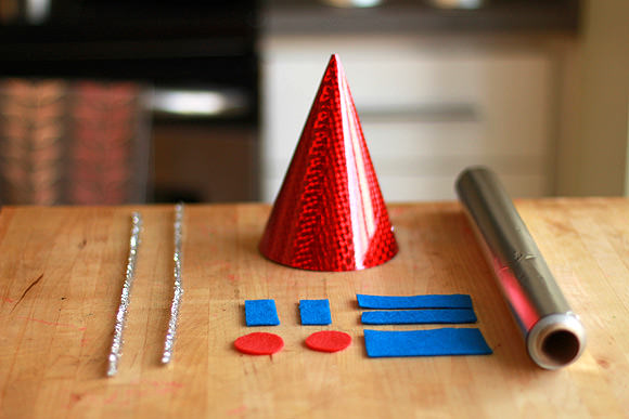handmadecharlotte_robot_party_hats_02