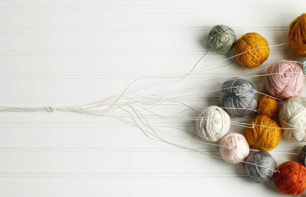 hgtv_yarn_chandelier_02