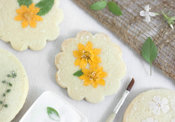 etsy_flower_and_herb_shortbread_01