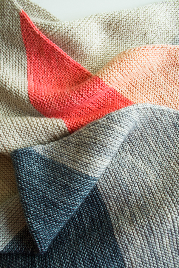 Knitting On The Bias Patterns : How to colorblock bias blanket make