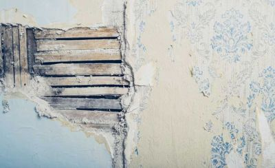 Plaster repair: how to fix cracks, bulges, loose plaster and damp   Real Homes