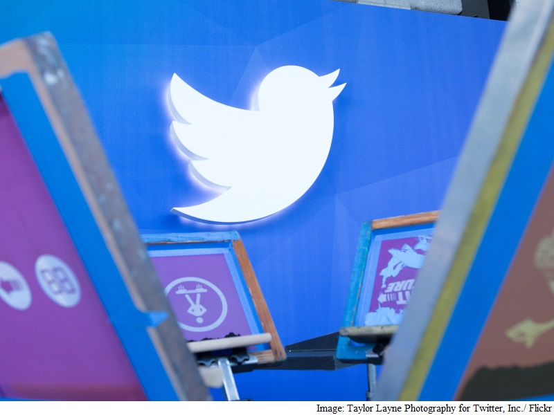 Twitter Partners Bloomberg to Live Stream Financial News