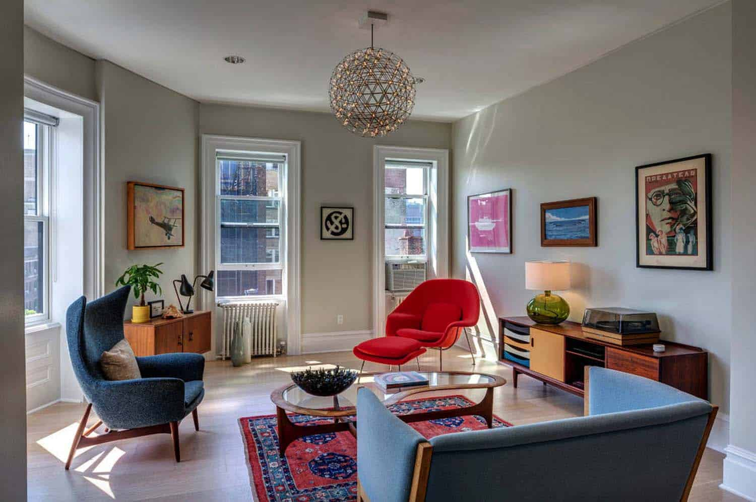 Peaceably This Living Room Is Newark Fiber Glass Lounge Arm Chair Illuminating Space Is Absolutely Living Room Ideas Stand Out Piece Furniture houzz 01 Mid Century Living Room