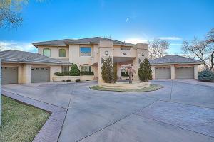 12404 Walkerway Street NE, Albuquerque, NM 87111