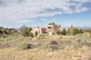 6101 Buffalo Grass Court NE, Albuquerque, NM 87111