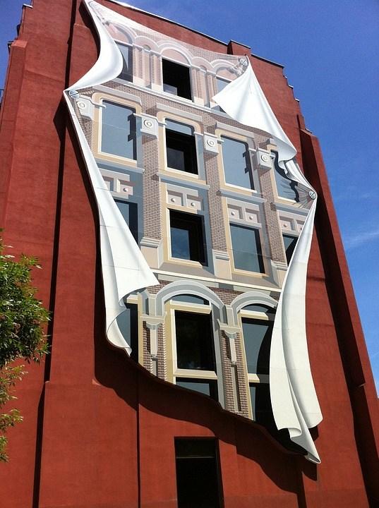 錯覚をさせる作りの建物