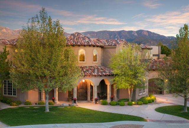 8810 Indian Gold Place NE, Albuquerque, NM 87122