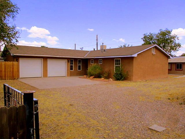 4429 11Th Street NW, Albuquerque, NM 87107