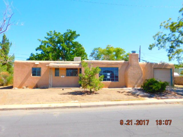 2810 Christine Street NE, Albuquerque, NM 87112