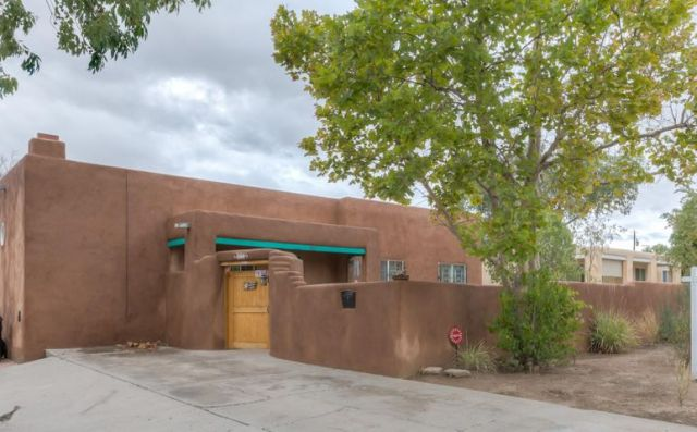 812 Monroe Street NE, Albuquerque, NM 87110