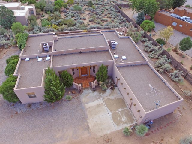 106 Mission Ridge Road, Corrales, NM 87048