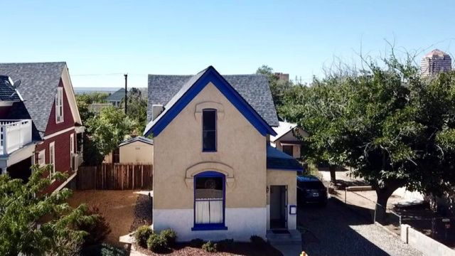 415 Edith Boulevard SE, Albuquerque, NM 87102