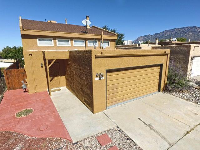 11127 Wales Avenue NE, Albuquerque, NM 87111