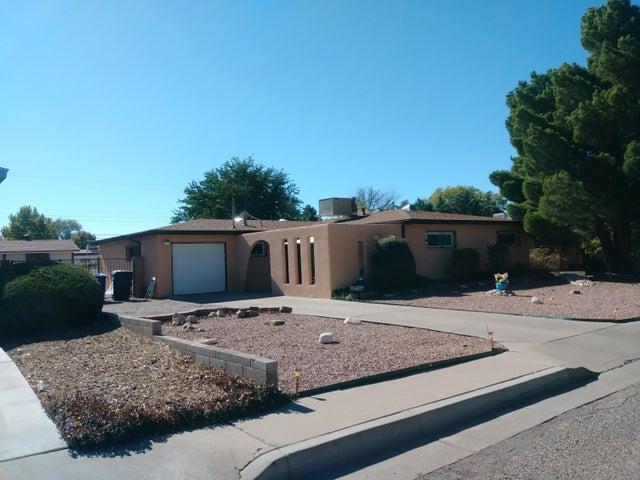 9908 Robin Avenue NE, Albuquerque, NM 87112