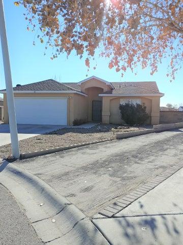 33 Rosa Avenue, Los Lunas, NM 87031