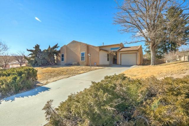 225 Moonstone Drive NE, Rio Rancho, NM 87124