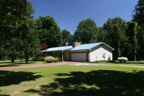 4 Stroup Rd, Batesville, AR 72501