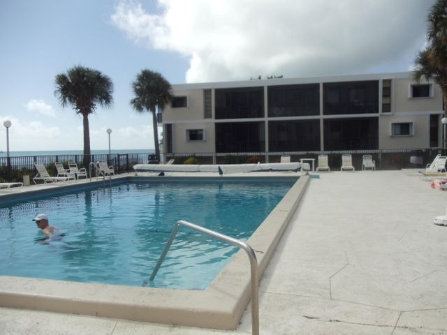 Oceanside pool