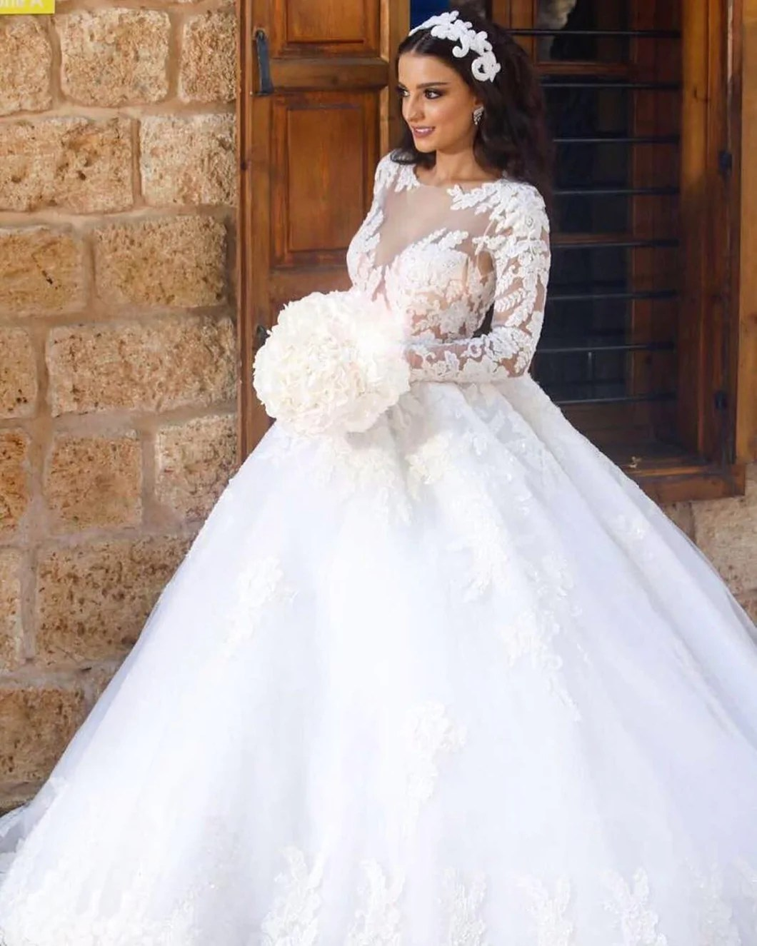 Outstanding Vintage Lace Long Sleeves Ball Gown Wedding Dresses 2018 Vintage Lace Long Sleeves Ball Gown Wedding Dresses 2018 Catsmile Wedding Dresses Lace Sleeves Chiffon Lace Wedding Dresses wedding dress Wedding Dresses Lace