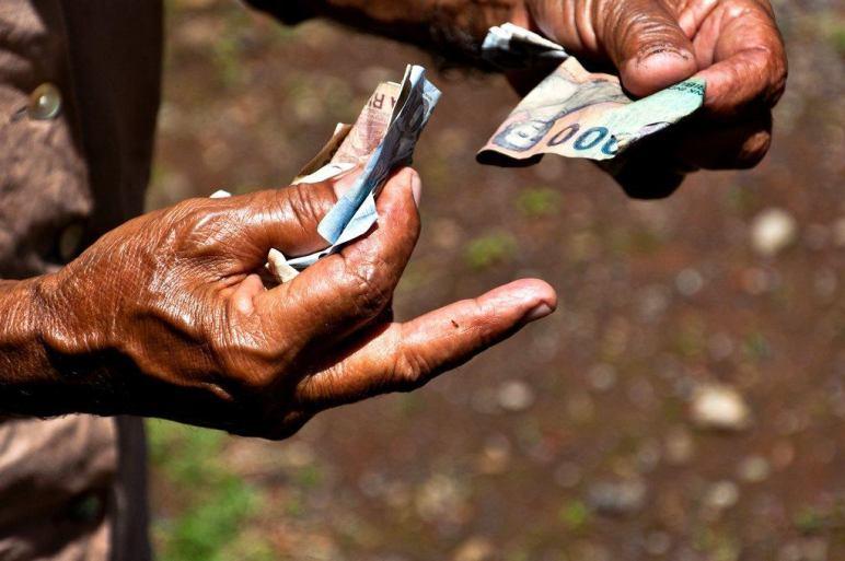 startups-lending-money-poor-indonesia