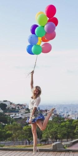 Encouraging Bouquet Girls Senior Ideas Artists Balloons Senior Photo Ideas Tip Junkie Senior Ideas