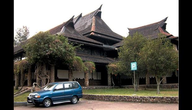ITB Terima Dana Beasiswa Jawa Barat Rp 1,6 Miliar