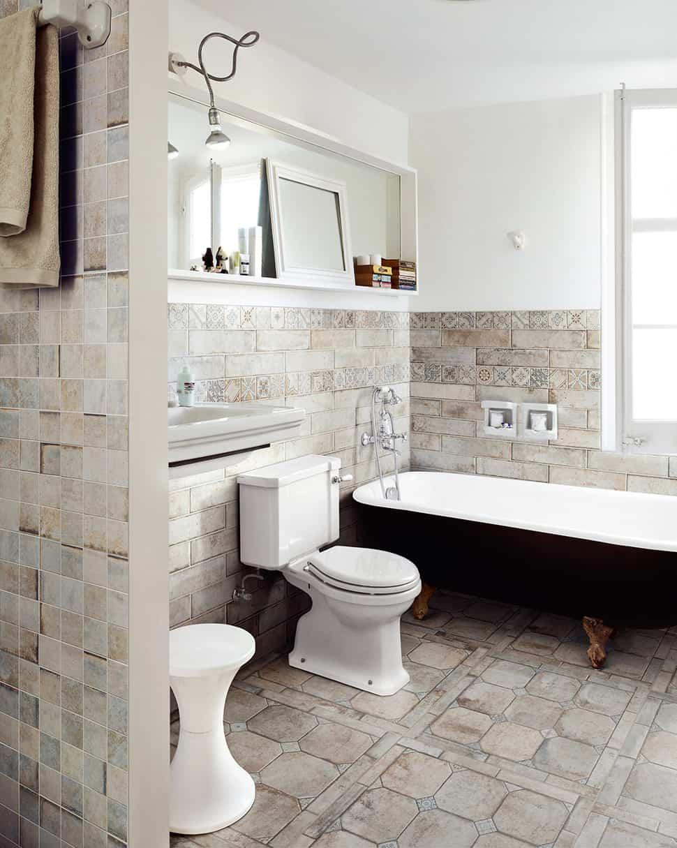 Perfect Wood Tile Flooring In Bathroom Gallery Terracottaeffecttilefloorbathroom Terrenuovesantagostino Intended Decorating Ideas