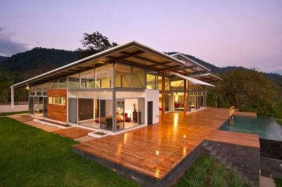 2 Adjustable Eaves Create Thermal Comfort within Glass House