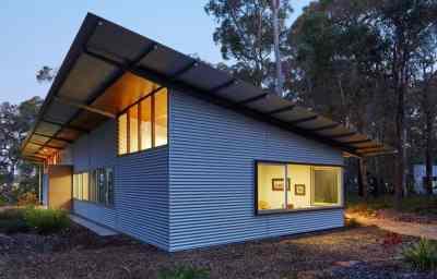 Prefabricated Galvanized Steel Frames House with Skateboard Ramp Outside