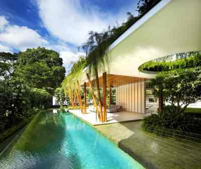 Outdoor House Plan with Interior Courtyard and Rooftop Garden