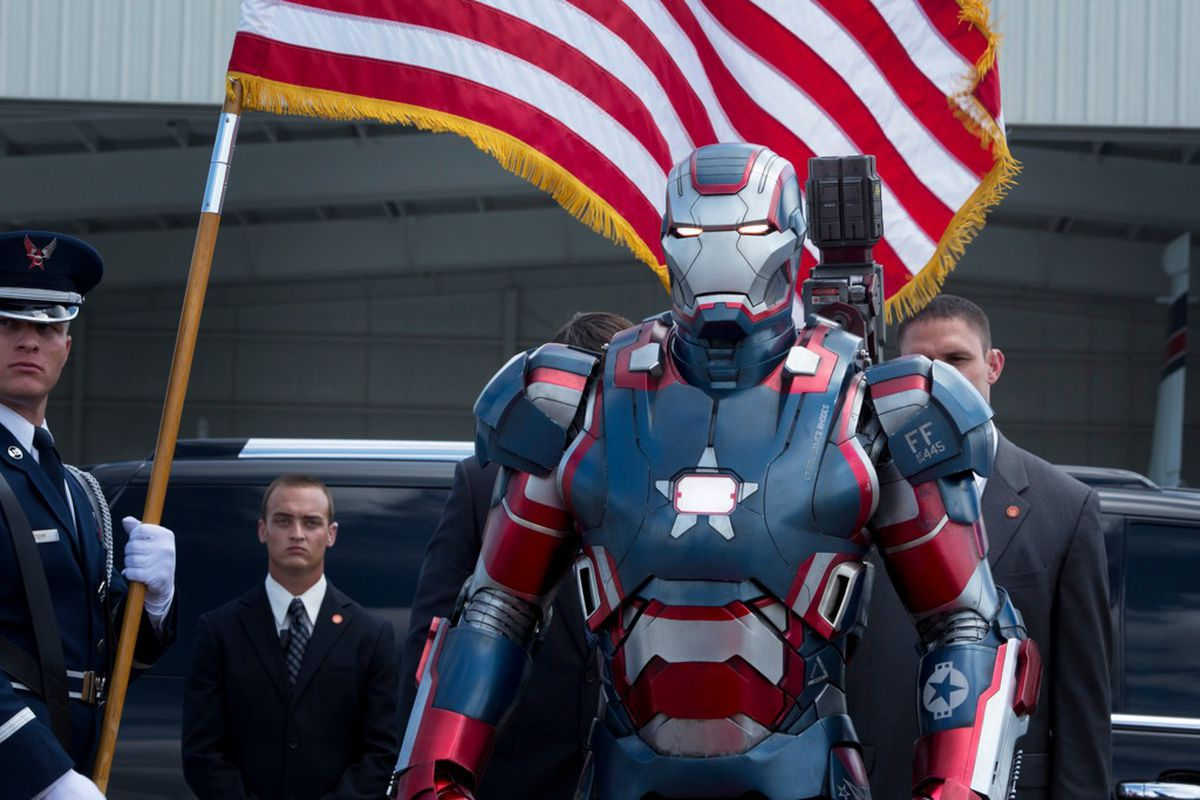 Obama jokes about creating  Iron Man   but military is already doing     Iron Man 3 America  1024px