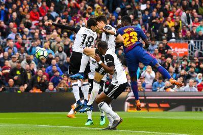 Barcelona vs Valencia, La Liga: Final Score 2-1, Barça win tough game despite bad performance ...