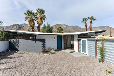 Midcentury bungalow in Cali desert can be yours for $250K - Curbed