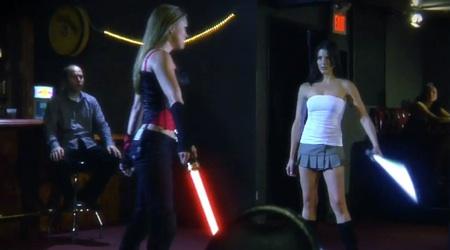 Pelea espadas laser Star Wars sexy chicas El sueño de todo Geek fan de Star Wars