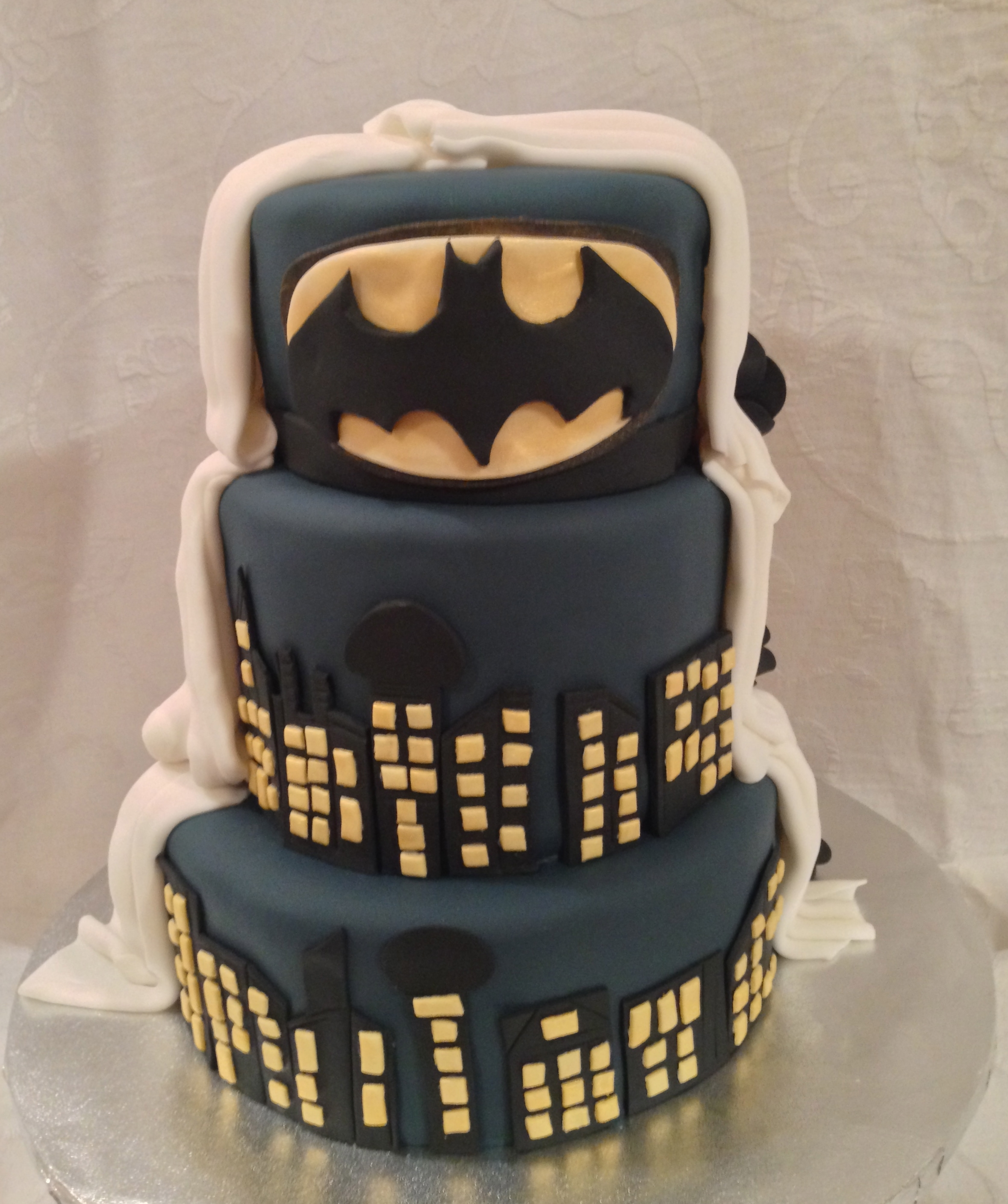 Smothery Batman Wedding Cake Batman Wedding Cake Batman Wedding Cake Per 45011 Batman Wedding Cake Per Bride wedding cake Batman Wedding Cake