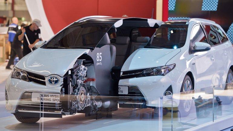 Tomando como base un Toyota Yaris, la automotiz japonesa exhibe el Hibrid-R Concept con dos potentes motores eléctricos.