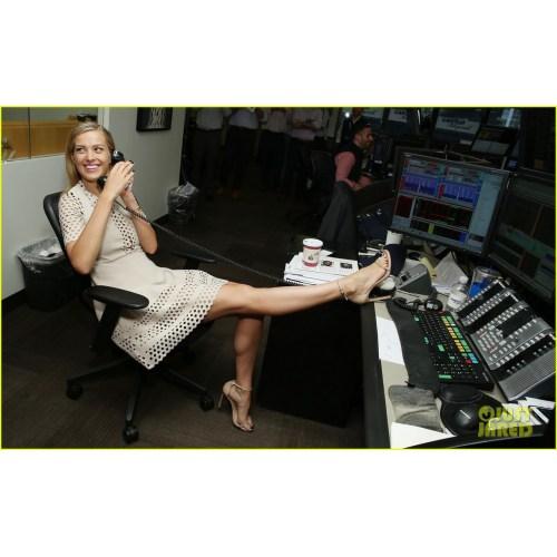 Medium Crop Of Margot Robbie Legs