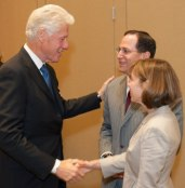 Bill Clinton with HSPH Campaign co-chairs Jonathan Lavine, MBA '92, and Jeannie Lavine, AB '88, MBA '92.