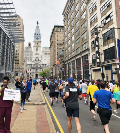 The Best and Funniest Spectator Signs at the 2018 Broad Street Run – Philadelphia Magazine