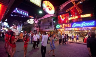 pho-di-bo-walking-street-o-pattaya-thai-lan-2