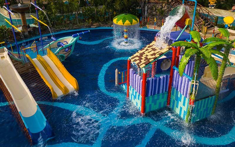 jpark-island-cebu-images-waterpark-captain-hooks-pool-00