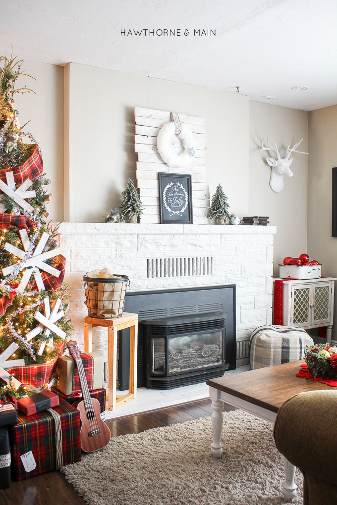 Holiday-Christmas-home-tour-hawthorne-and-main-2015-port15