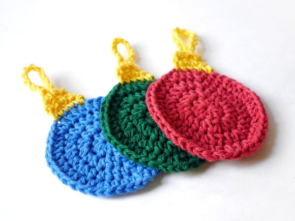 Free Crochet Pattern: Holiday Ornament Tawashi